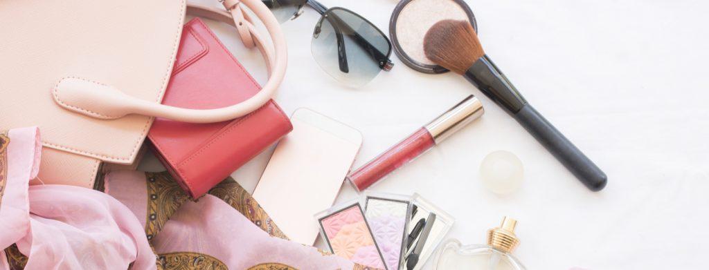 Urodowe S.O.S. – czyli co każda kobieta powinna mieć w torebce?