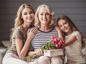 prezent dla babci - jakie kosmetyki?
