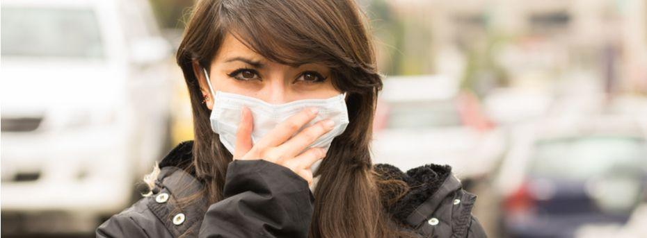 zanieczyszczona skóra twarzy