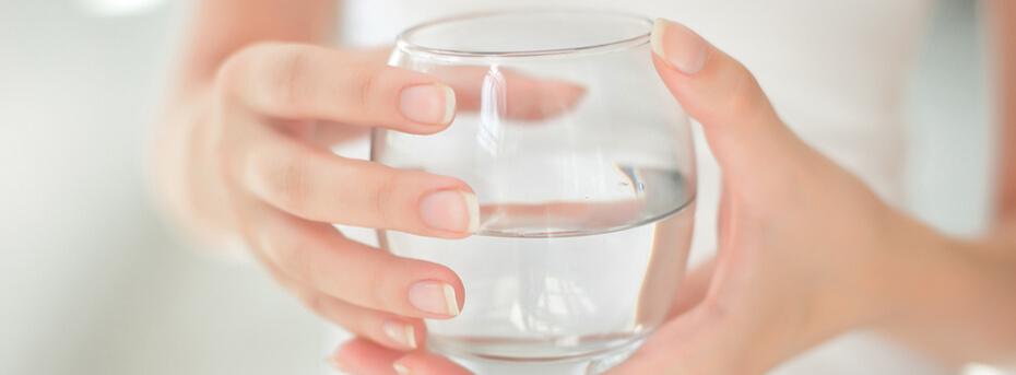 Dlaczego mój organizm zatrzymuje wodę?